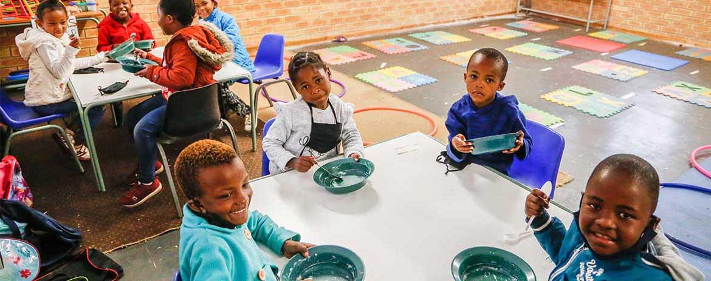 Mangelernährung bekämpfen mit gesundem Schul-Essen
